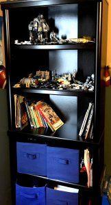 Use baskets for toy storage on child's shelf. #bookshelfstorage #hidemykidstoys #basketstorage