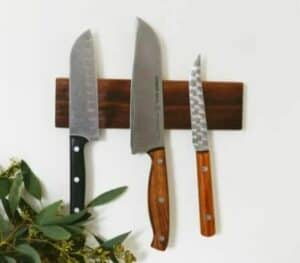 magnetic knife holder with 3 knives